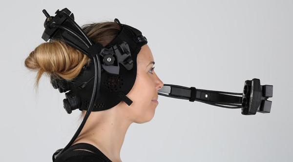 DI4D's Head Mounted Camera System Captures True Facial
