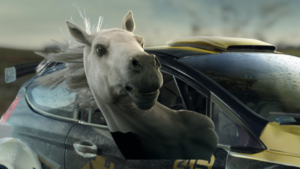GPS-Betfair-horse-head-in-car-progress-shot